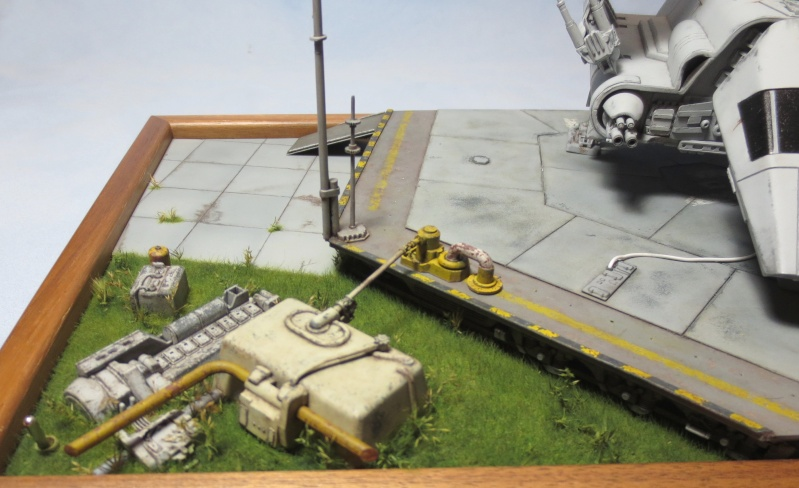 STAR WARS : Plateforme d'atterrissage et sa navette Lambda - Page 3 Img_2312