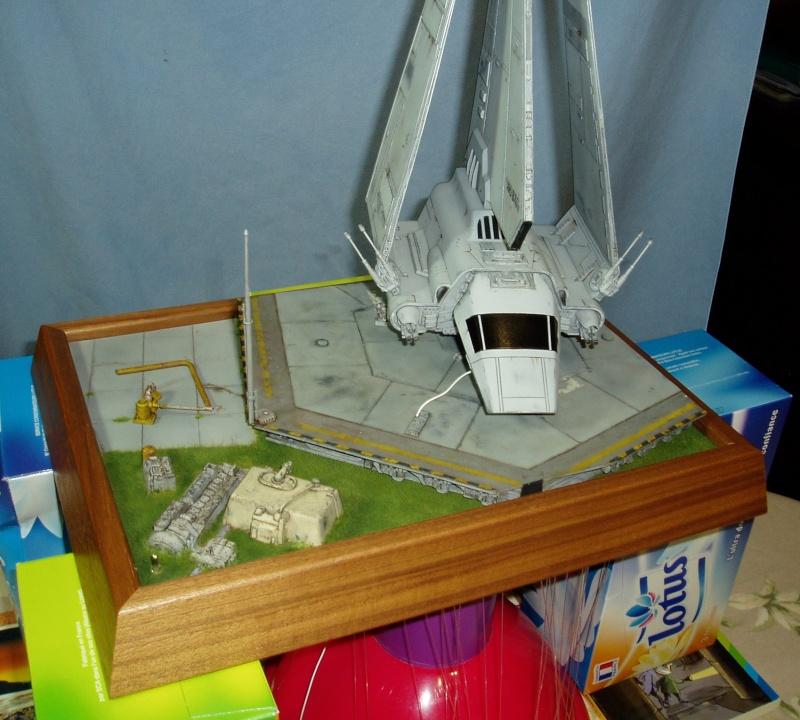 STAR WARS : Plateforme d'atterrissage pour Navette Lambda - Page 2 P2020012