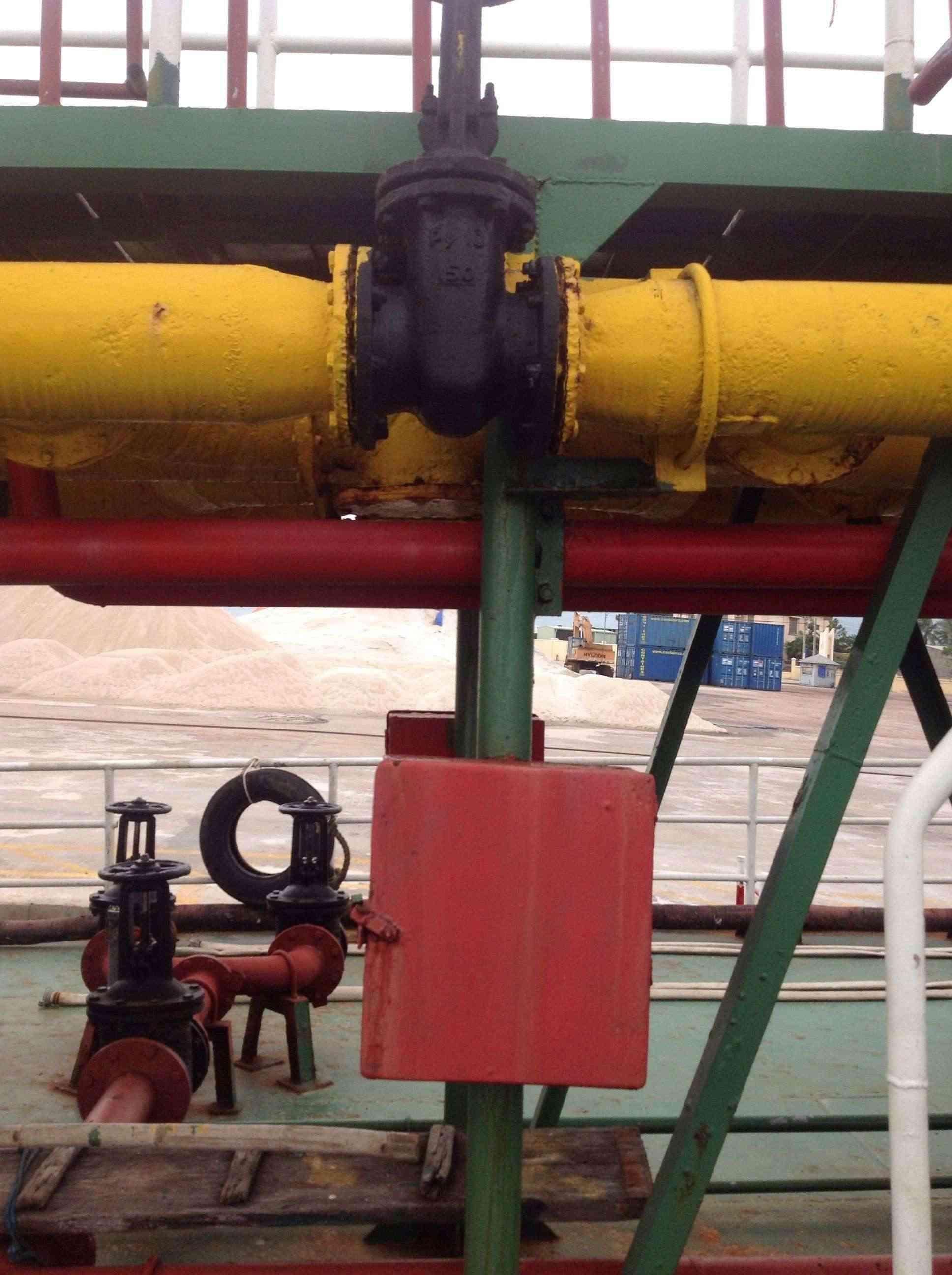 Thi công chống thấm, gia cường bề mặt vỏ tàu bằng vật liệu siêu bền Polyurea ! 50f2f010