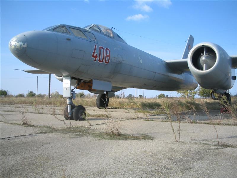 Hong H-5B/C/J in RoAF. Img_0016