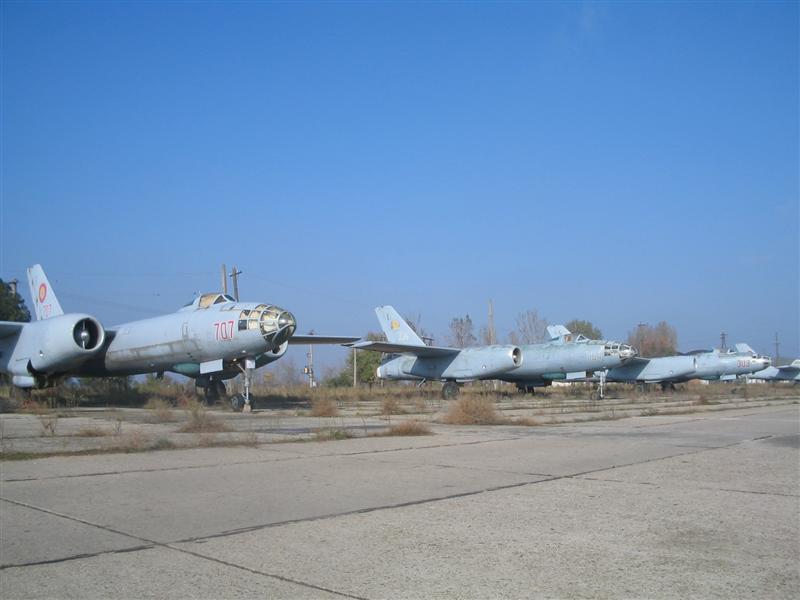 Hong H-5B/C/J in RoAF. Img_0023