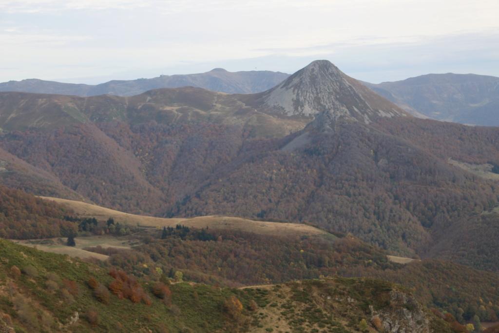 L'automne sur le massif cantalien Img_9919