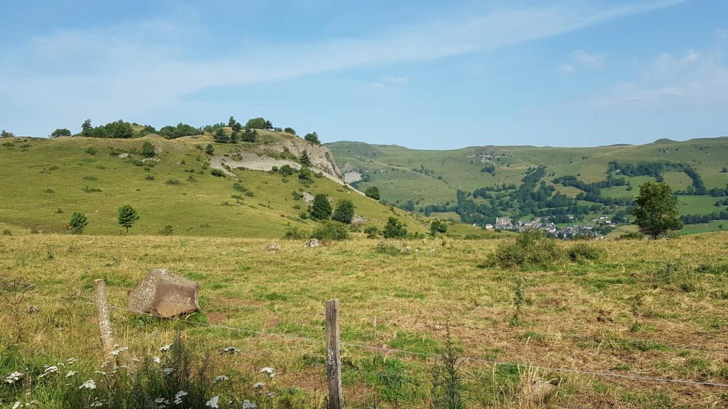 Panorama du rocher de Laqueuille (Dienne) Rocher14