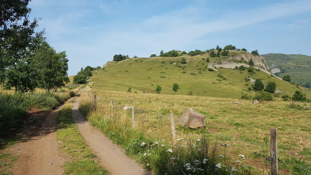 Panorama du rocher de Laqueuille (Dienne) Rocher15