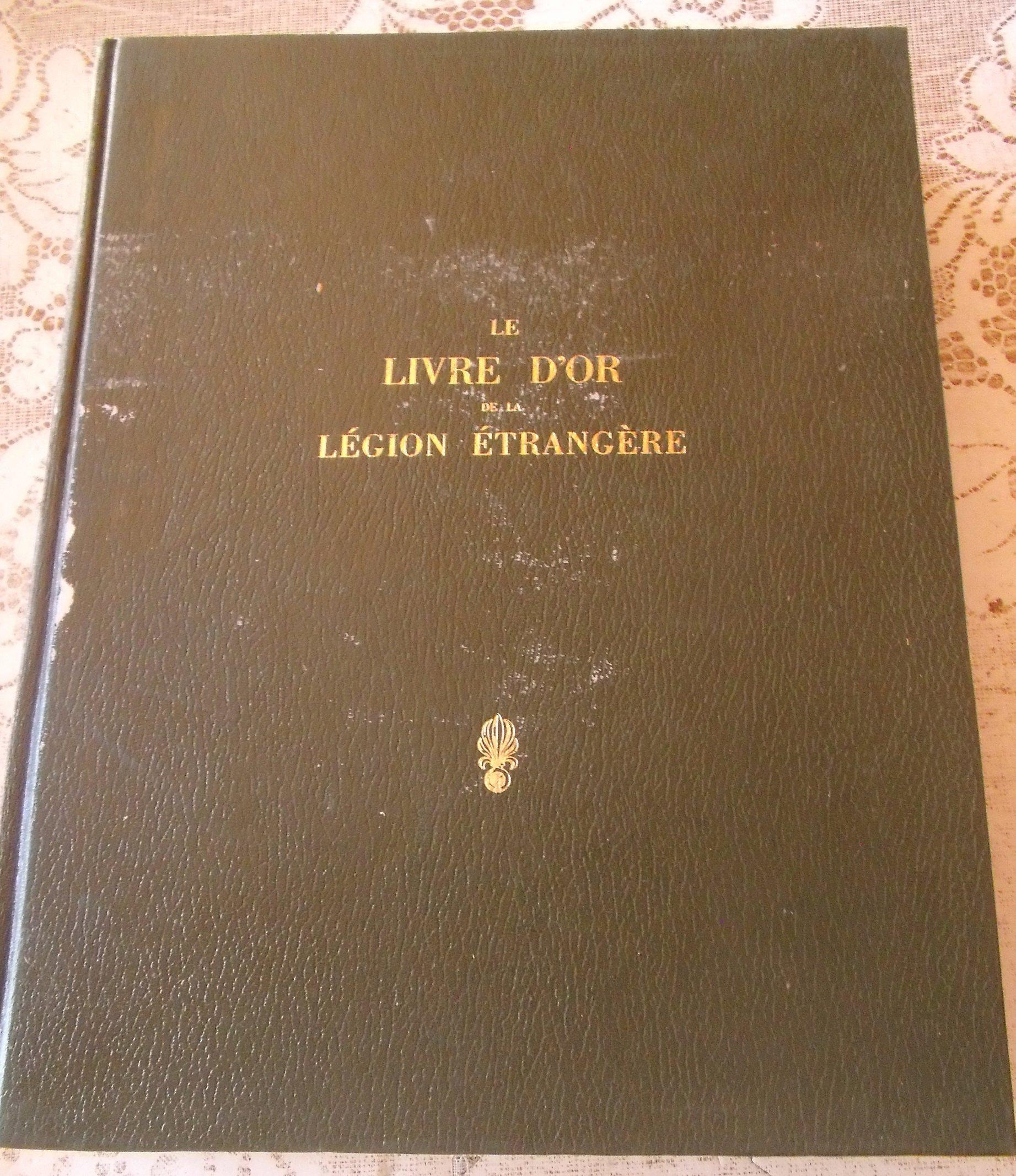 chez un ancien lot de livres militaires PARA/LEGION-dedicacé 00151