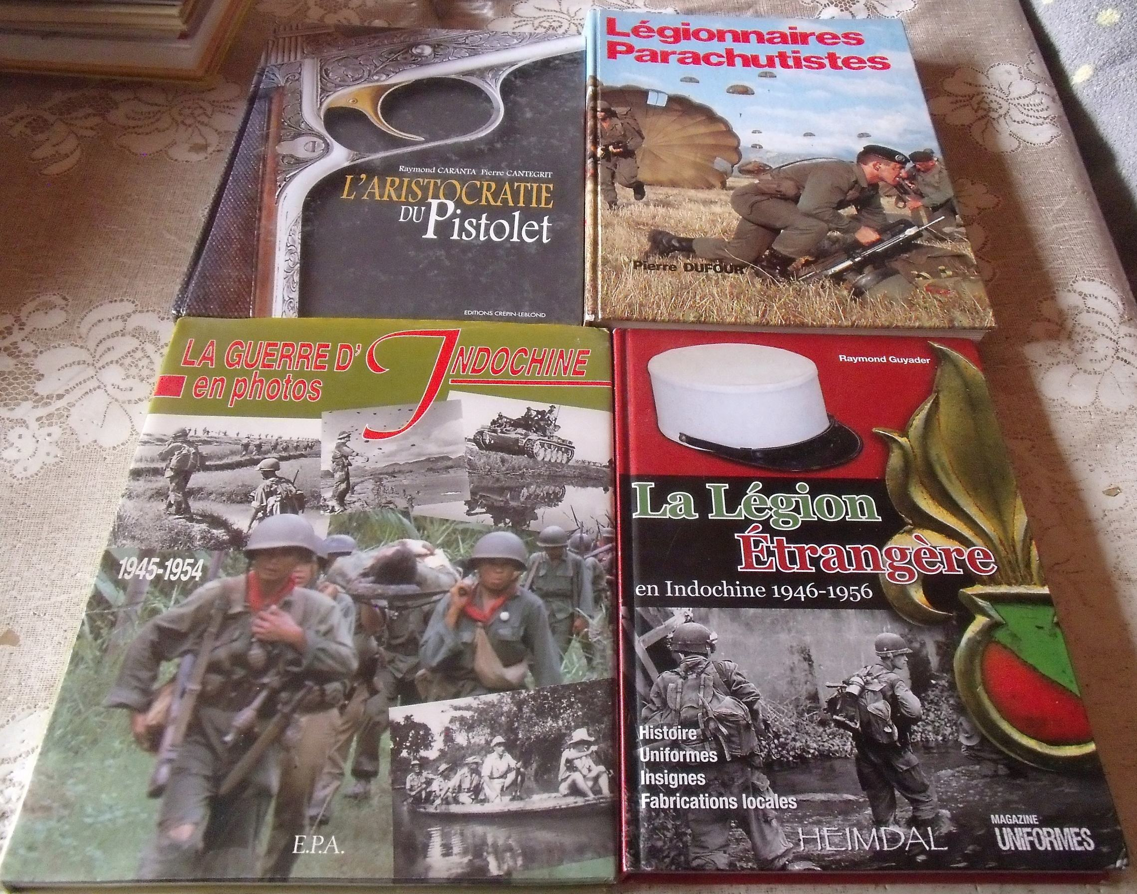 chez un ancien lot de livres militaires PARA/LEGION-dedicacé 00250