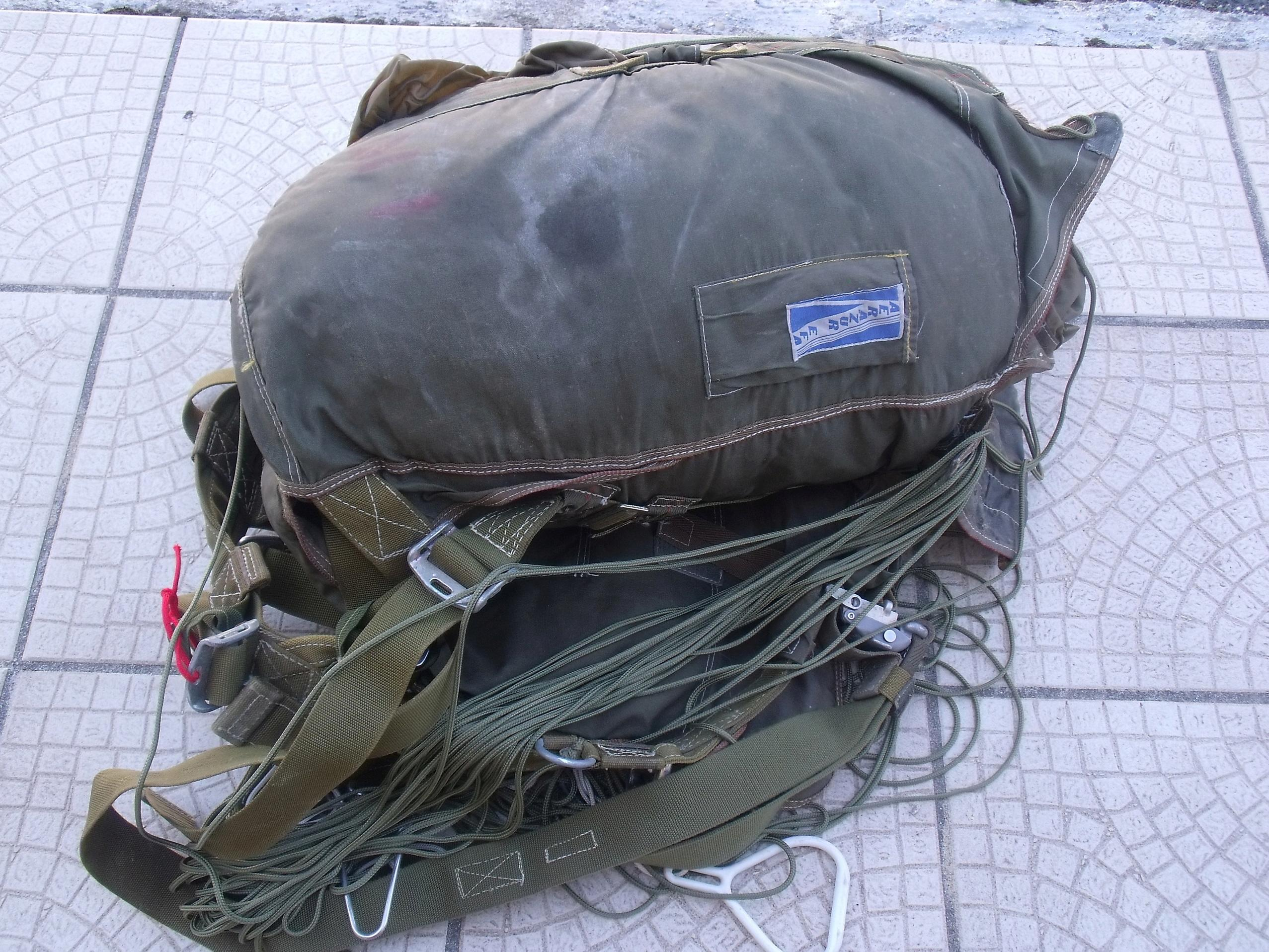 trouvaille parachute AERAZUR  00312