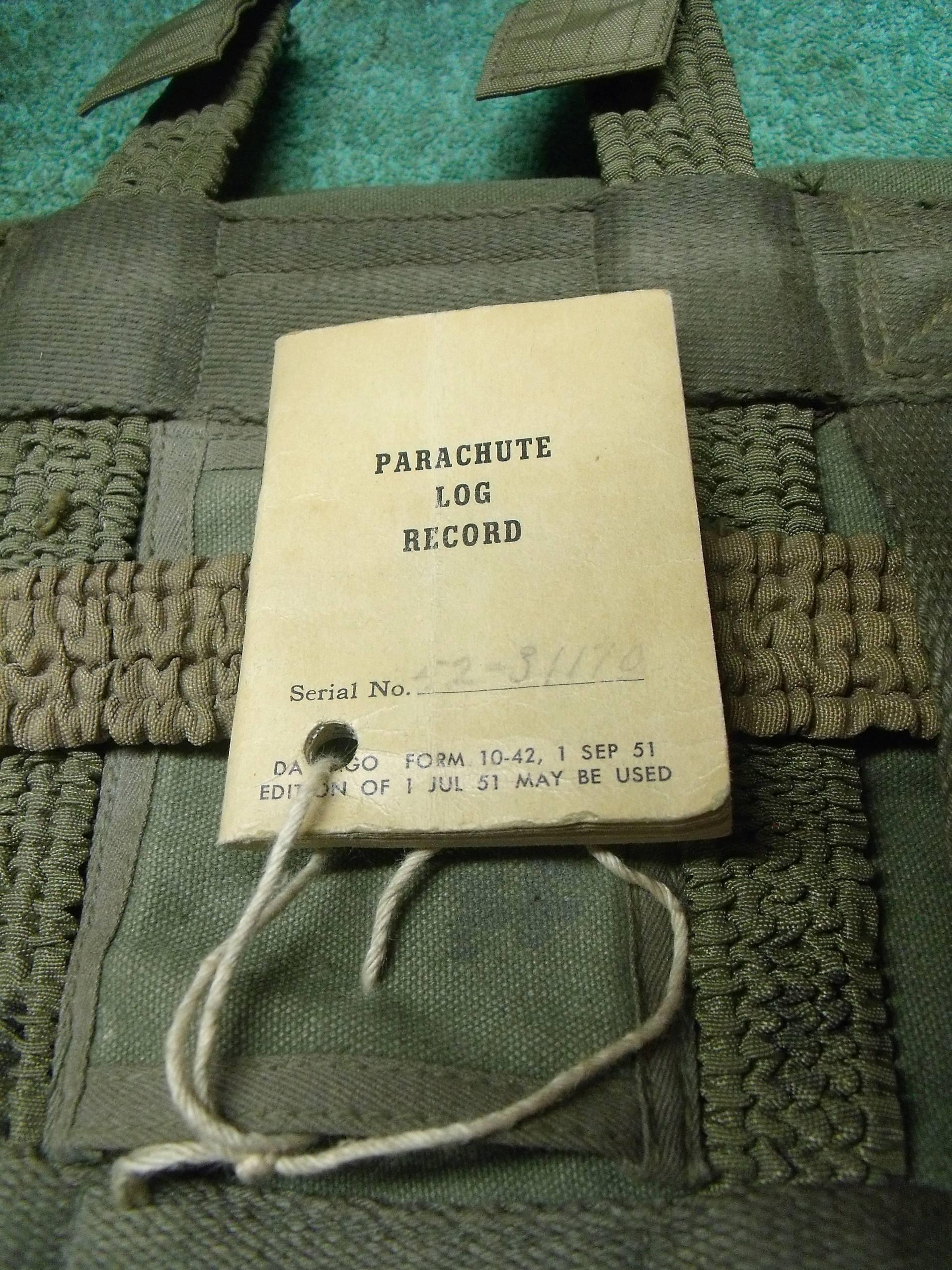 parachute ventral IRVING AIR CHUTE  1953 ( sans voilure) 00323