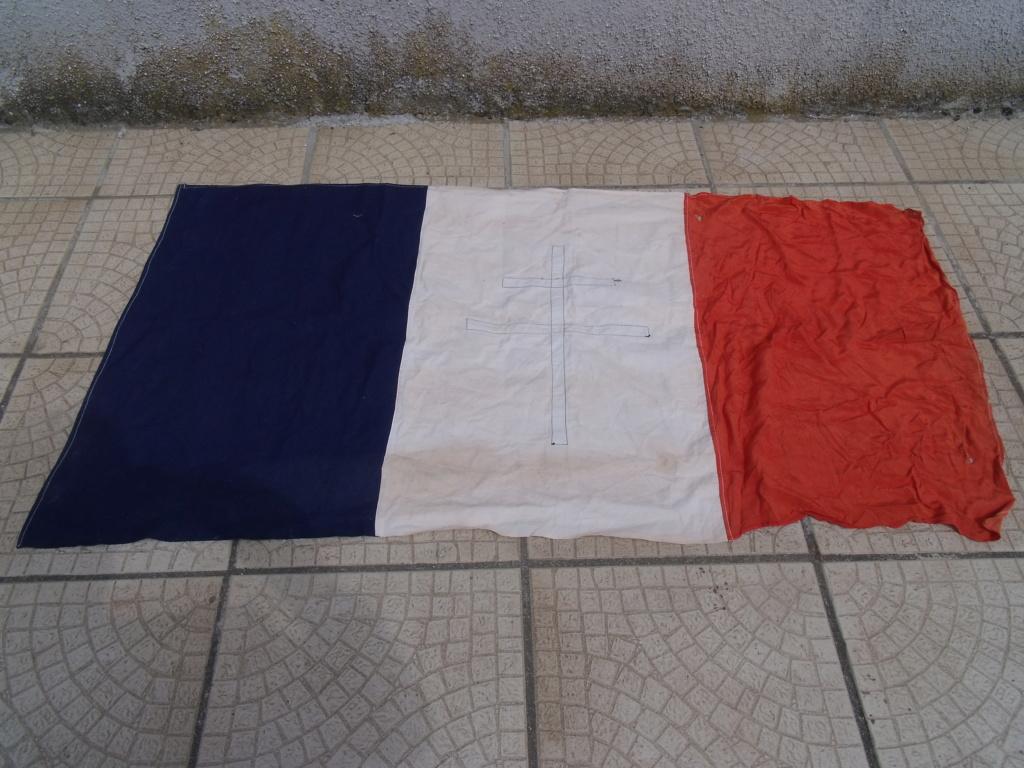 drapeau francais croix de LORRAINE Drapea11