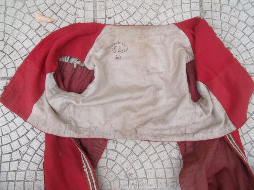 bolero rouge de tenue inconnu Dscf7110