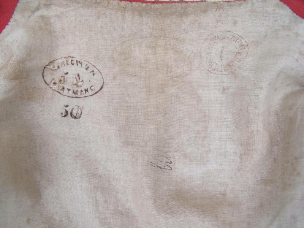 bolero rouge de tenue inconnu Dscf7113