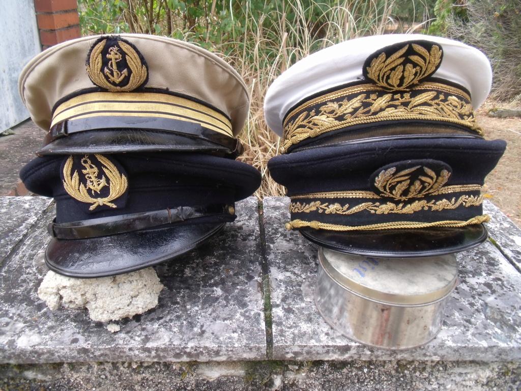 trouvailles  - 2 casquettes corps prefectoral + 2 casquettes officier Marine Dscf7310
