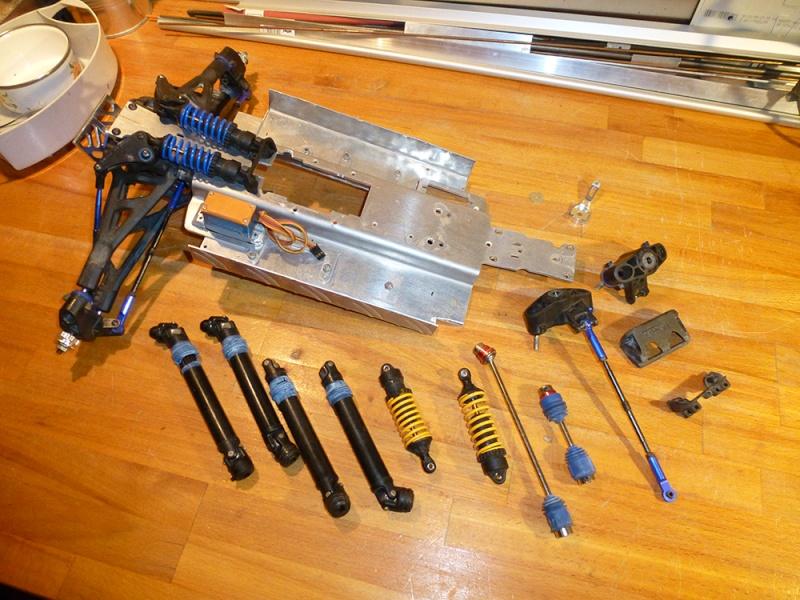 Tracer Revo 4x4x4 Rat Rod. P1010613