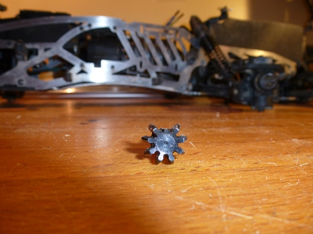 """HPI Savage 6 roues chassis """"Patoch Racing"""" - Page 2 P1010615"""