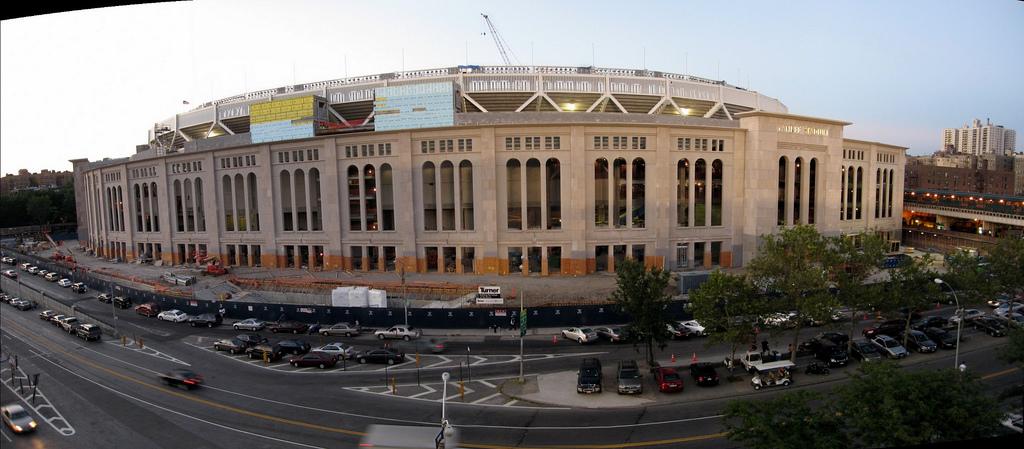 Nuevo Yankee Stadium (2009) - Página 3 27472010