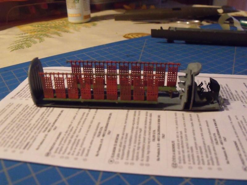 """H 21 """"Gunship"""" au 1/72 de chez italeri Dscf7227"""