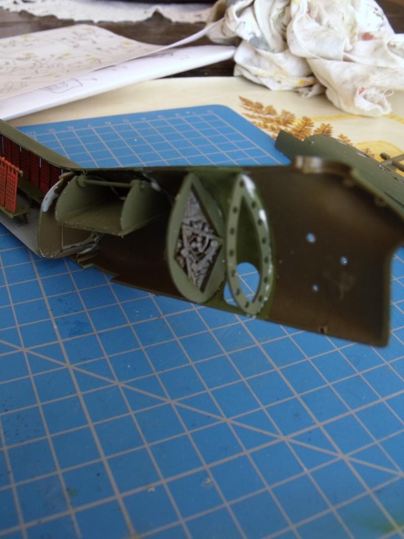 """H 21 """"Gunship"""" au 1/72 de chez italeri Dscf7233"""