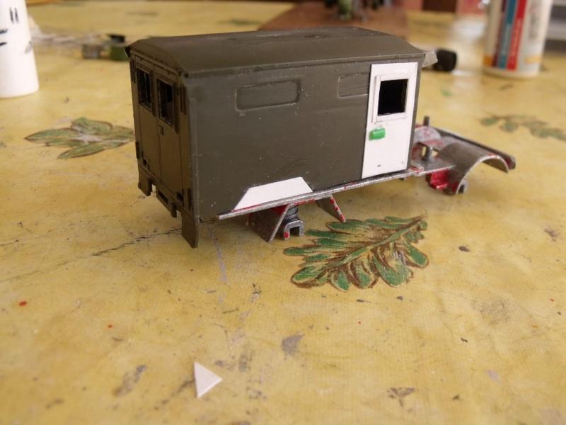 Unimog Ambulance solido en scratch Unimog13