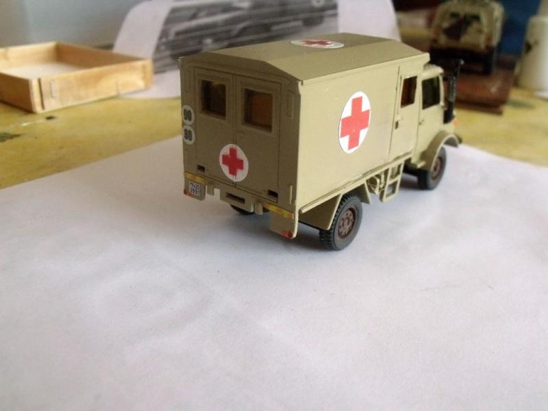 Unimog Ambulance solido en scratch Unimog20