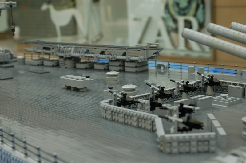 navires reproduits en lego - Page 2 13903218