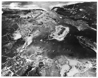 Attaque à Pearl Harbor - Vague 2 - mardi 30 décembre Pearl_10