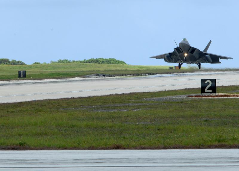 F-22 Raptor - Page 2 08072011