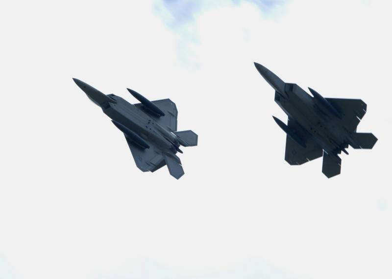 F-22 Raptor - Page 2 08072014