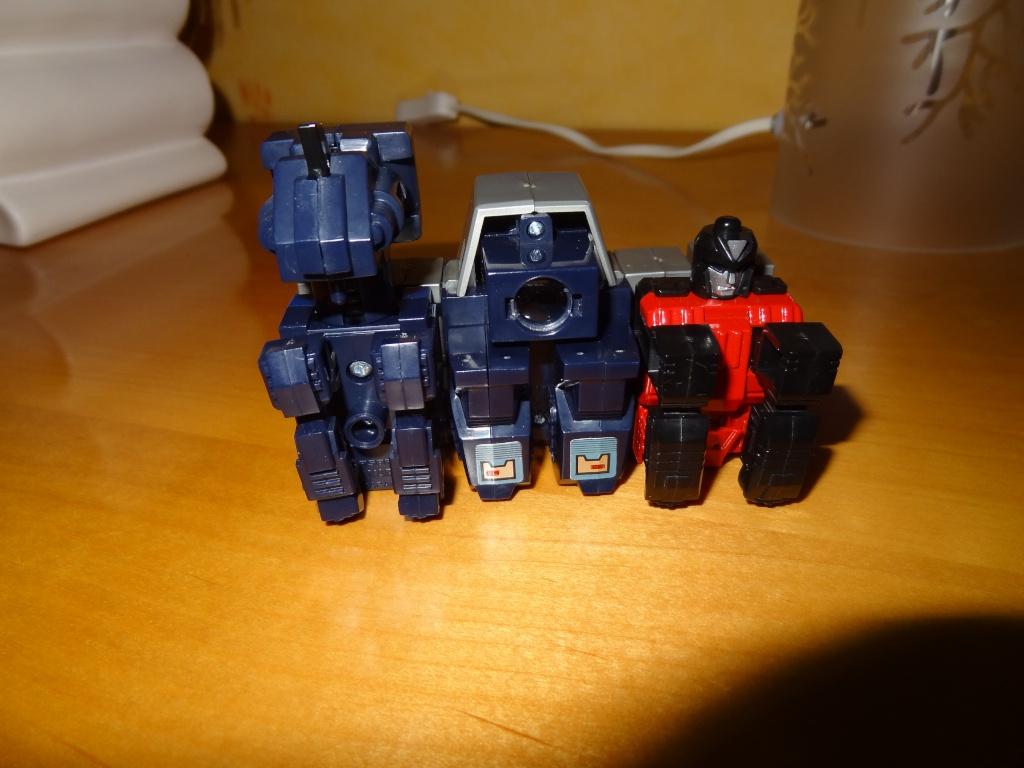 L'alliance Gobots/Transformers débarquent dans le 71 ! - Page 5 Dsc02331