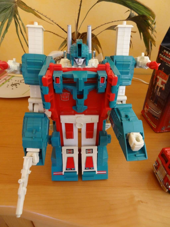 L'alliance Gobots/Transformers débarquent dans le 71 ! - Page 6 Dsc02339