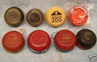 [CONCLUSA VINTA] ebay 260293025150 Wooden Yo-yo collection including 1956 Chevrolet - Oct-04-08 15:39:04 PDT 3d25_110
