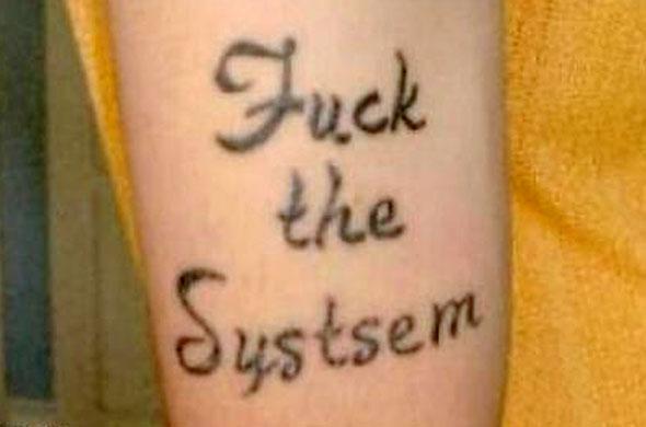 Photos tatouages insolites :S Diapo_13