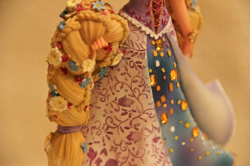 Disney Haute Couture - Enesco (depuis 2013) - Page 2 Img_2412