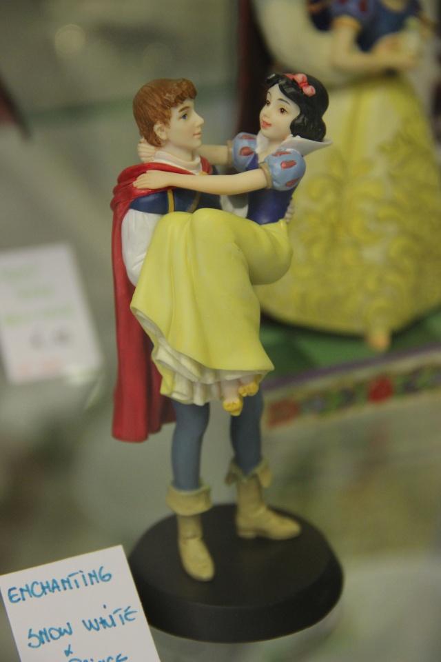 Disney Enchanting Collection - Enesco (depuis 2012) - Page 2 Img_4021