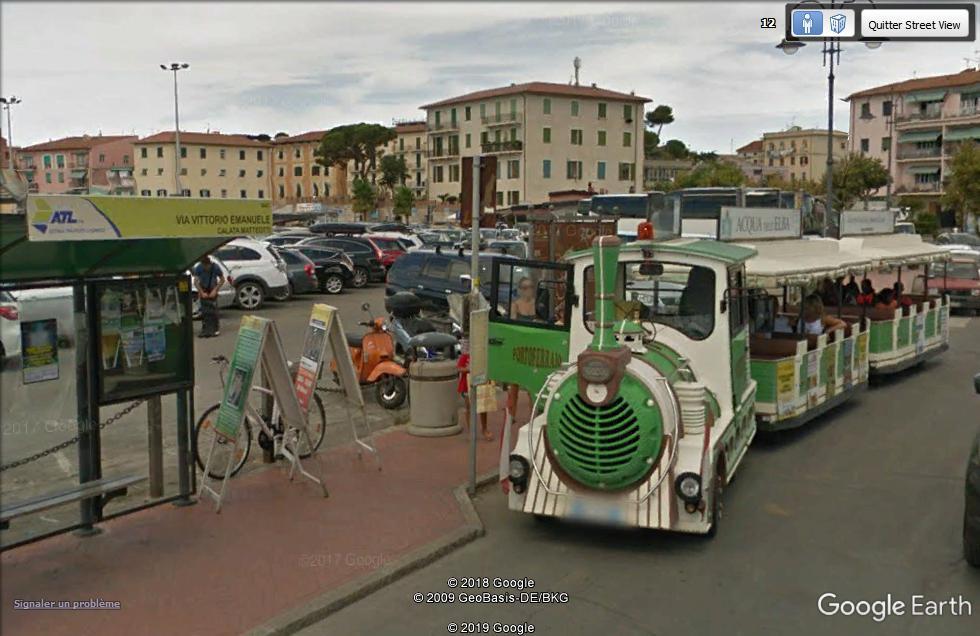 STREET VIEW : les petits trains touristiques - Page 3 Petit_10