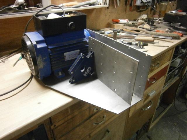 [projet] fabrication d'un Backstand horizontale/verticale - Page 2 Pc180520