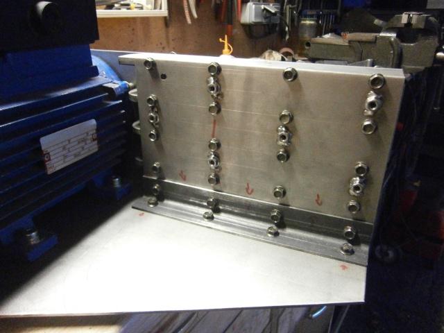 [projet] fabrication d'un Backstand horizontale/verticale - Page 2 Pc220210
