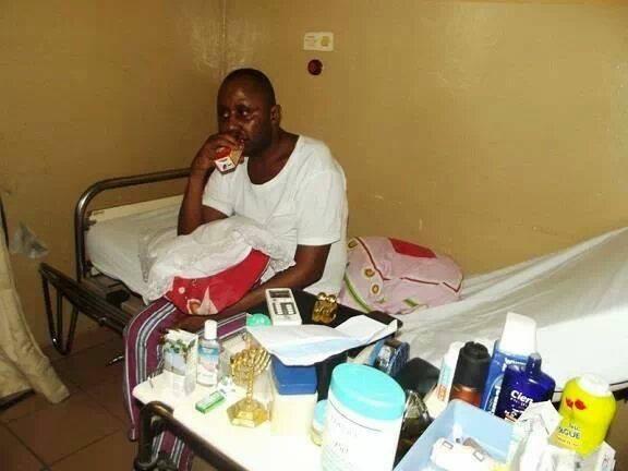 Le pasteur Kutino vient de faire une crise d'AVC qui aurait provoqué une paralysie partielle! 92300710