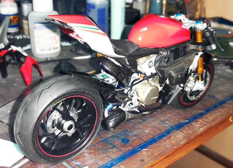 Ducati Panigale Tricolore 3-b9bd10