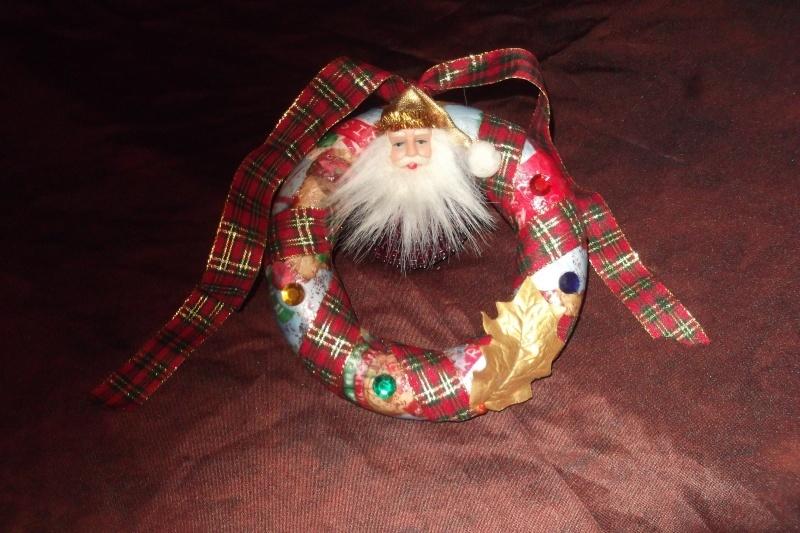photos des créas du défis de Noel visible aux invites   Couron11