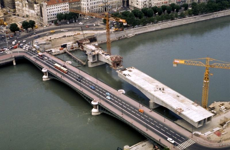 Les ponts de Lyon, passage obligé de toute visite Ptmora12