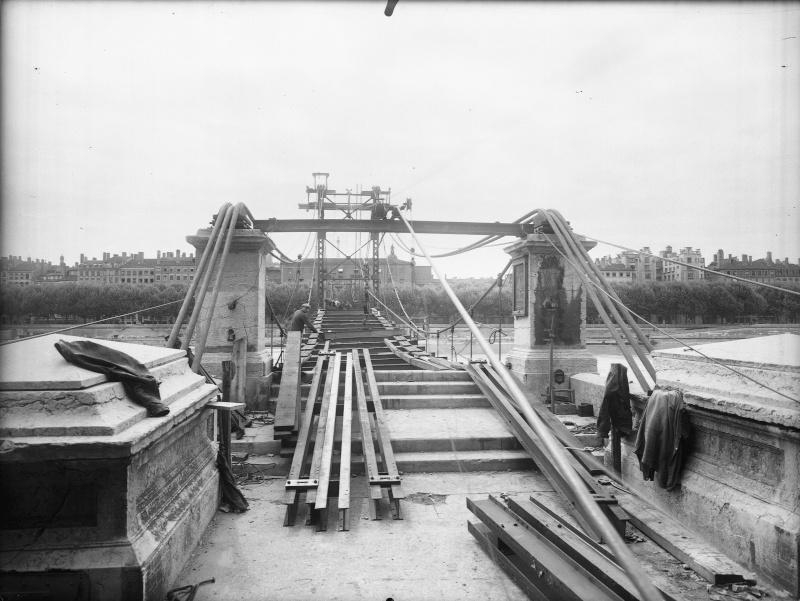 Les ponts de Lyon, passage obligé de toute visite Source10