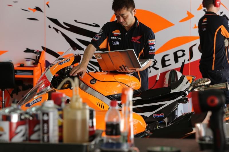 motoGP 2014 - Page 6 Sepang11