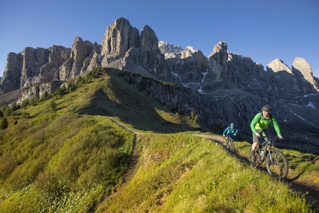 Belles images de paysages à vélo, mais pas que...  70426210