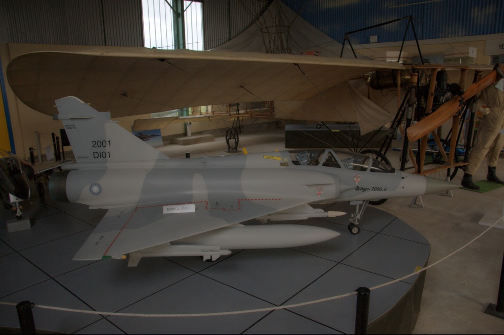 Musee de l'aviation de chasse de Montelimar - Page 2 Art_5011