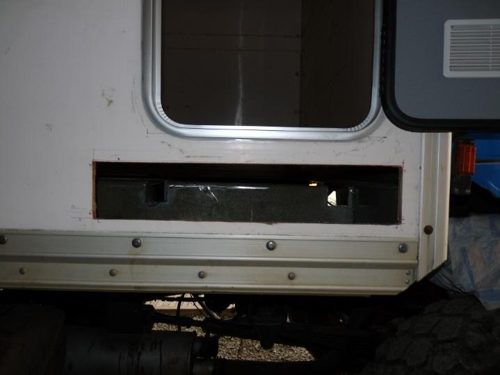 camping car à partir d'un Renault 110-170 4x4 : A5910