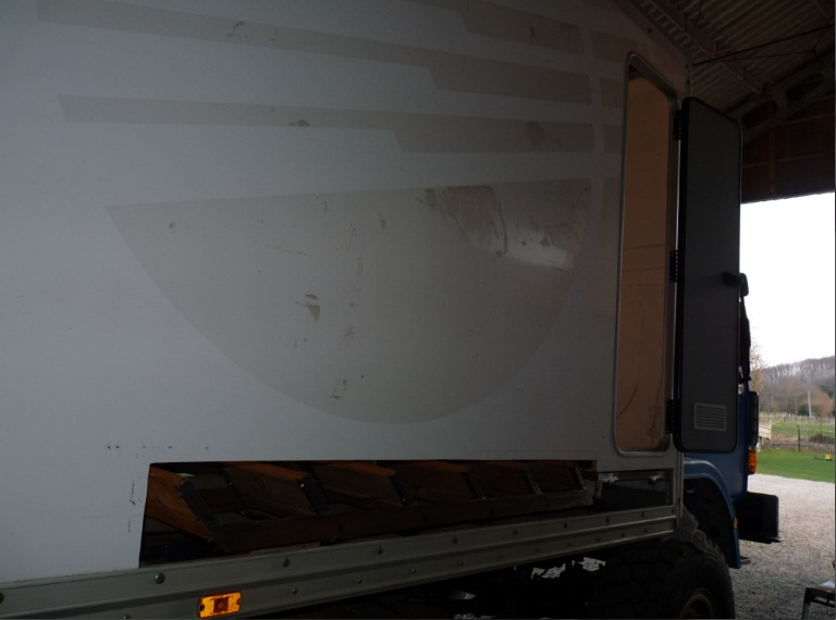 camping car à partir d'un Renault 110-170 4x4 : A7510