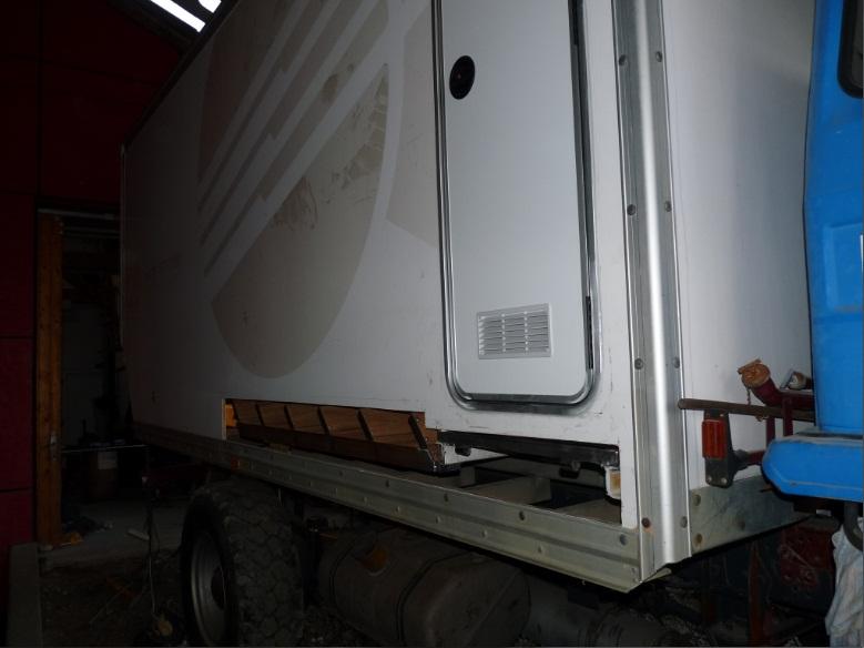 camping car à partir d'un Renault 110-170 4x4 : A7610
