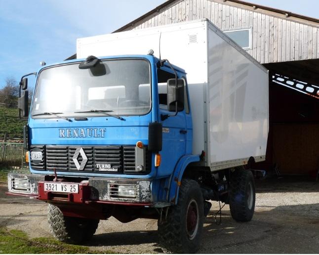 camping car à partir d'un Renault 110-170 4x4 : Q410