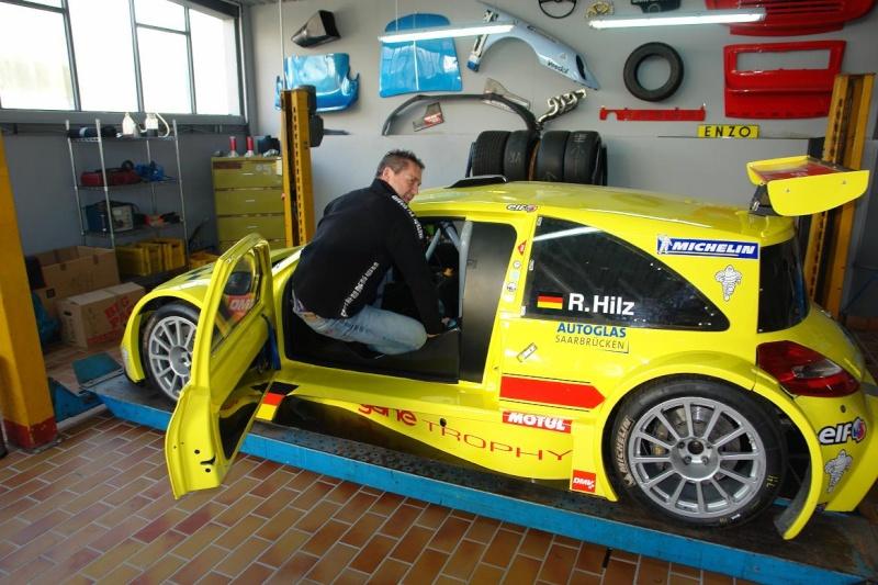 Un monstre Renault !!!!!! Dsc05512