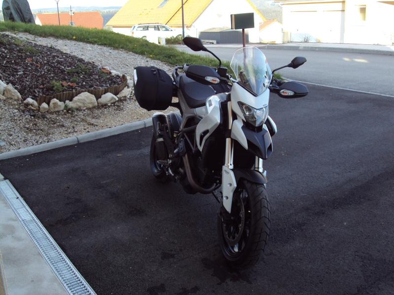 vends Ducati 821cc hyperstrada Dsc03923